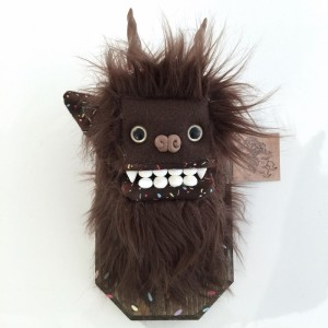 Doughnut Yeti (Small) Brown 5 by Yetis & Friends