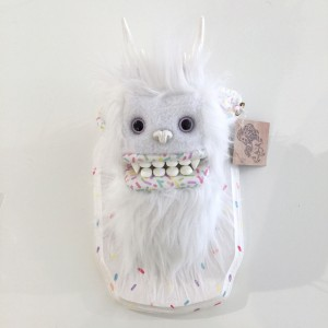 Doughnut Yeti (Small) White 4 by Yetis & Friends
