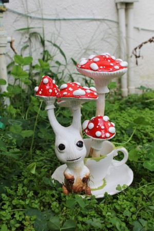 Amanita Sproutling by Lee's Menagerie